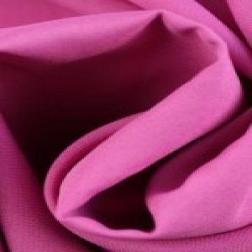 Roze Brandvertragende stof