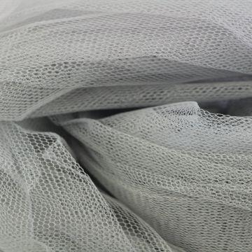 tule licht zilver grijs